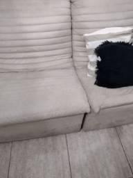 Vendo dois  sofá e cadeira