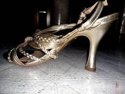 Sapatos finos