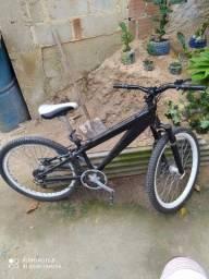 Vendo bike de alumínio aro 26
