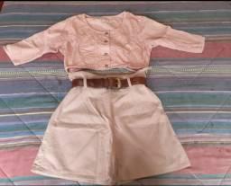 Conjunto de jeans bermuda cintura alta e jaqueta  do mesmo tecido