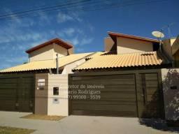 Linda Casa a Venda em São Gabriel do Oeste - Centro