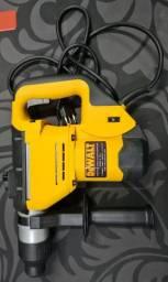 Martelete eletropnemático perfurador/rompedor 5KG Dewalt D25602K-B2