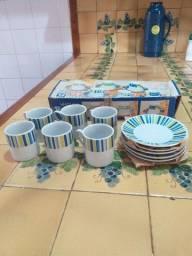 Conjunto de Pires e xícaras 90 ml