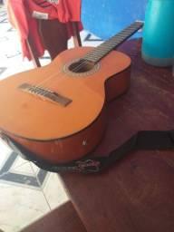 Vende-se um violão elétrico top e barato