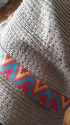 Viseira e chapéu curto
