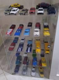 Coleção miniatura de carros.