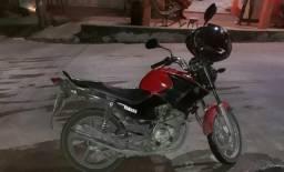 Vendo esta linda moto - 2013