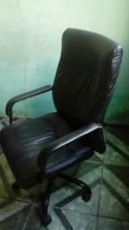 Cadeira executiva em couro