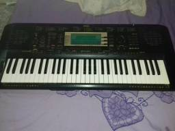 Teclado Yamaha PSR 730
