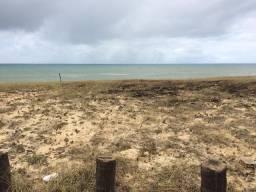 Terreno em condomínio frente para o mar 817m2