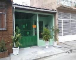 Casa térrea na Pass Nazaré na R. dos Pariquis - 3/4 sendo 1 suíte, 126m²