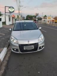 Renault Sandero 1.6 Automático - 2012