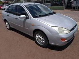 Oferta - Focus Sedan 2001 Completo - 2001
