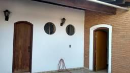 Residência Assobradada em Corredor Comercial - Vila Falcão