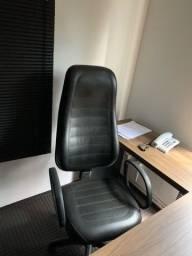 Móveis para escritório seminovos
