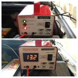 Carregadores de baterias 12v para carro,moto,caminhão,barco. Novos