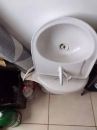 Vendo vaso sanitário e pia Logasa