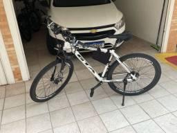 Bicicleta GTA aro 29 - 24 marchas - câmbio shimano Altus