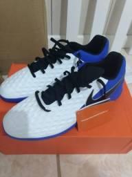 Tênis futsal Nike