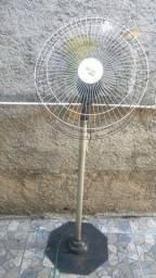 Ventilador tipo tufão funcionando R$150
