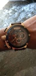 Vende-se relógio U-BOAT