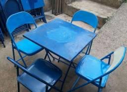 Jogo de mesa e cadeiras para Bar