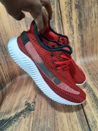 Tênis Adidas Yeezy Vermelho