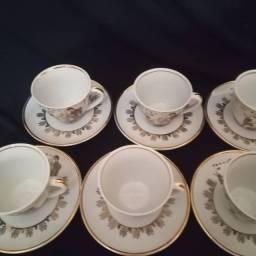 Conjunto antigo de xícaras japonesas