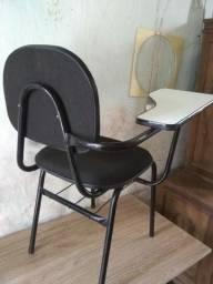 Cadeiras padrão escolar