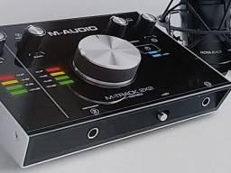 Placa de áudio (interface) M-Track 2x2