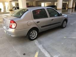 Renault clio sedan 2006/2006 (ótimo estado)