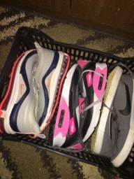 Três tênis Nike original