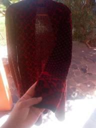 Cardigan preto e vermelho