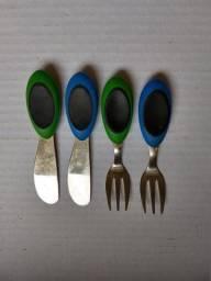 Mini Jogo Garfo e Faca Marca SoftWorks Verde e Azul