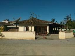 Casa No Centro De Guaramirim