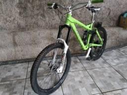 Bike de Downhill - UMF Freddy TEAM