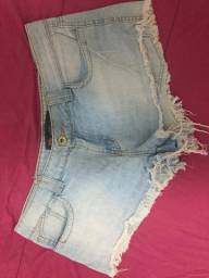 Vendendo shorts e saias, semi novo. 25$ cada