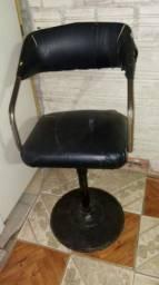 Cadeira de Cabeleireiro e Cadeira de Escritório