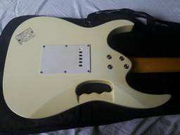 Guitarra TJhonson