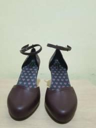 Sandália bico fechado