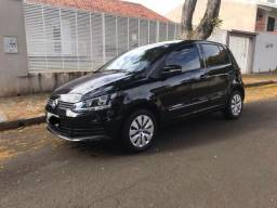 Volkswagen Fox 1.0 Trendline COMPLETO 2015 - Muito Novo - 2015