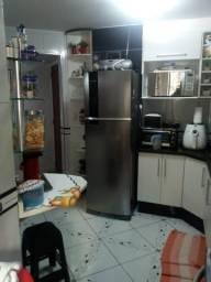 Apartamento com cozinha e quarto planejado