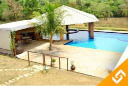 Belíssima chácara estilo fazenda c/4 suítes e piscina c/hidro em Caldas Novas. Cód 1029
