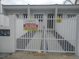 Casa Geminada com 02 Quartos no Petrópolis