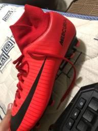 Vendo chuteira Nike mercurial com caninho de cravo