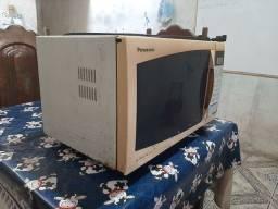 Forno microondas Panasonic
