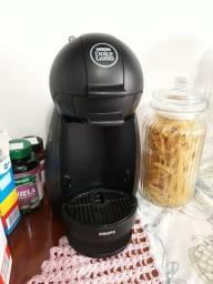 Maquina de café Nescafé doce gusto