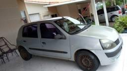 Renault Clio 2004 R$ 7.300,00