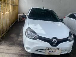 Clio 2014 novíssimo 2 dono
