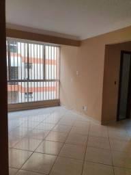 Vendo ou alugo(600,00) apto amplo de 2 quartos na Alberto Torres.